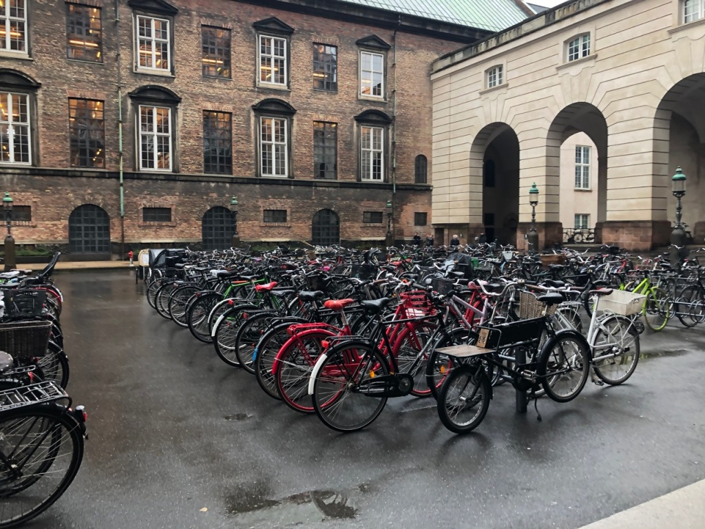 Parking lot at the Dutch Parliament